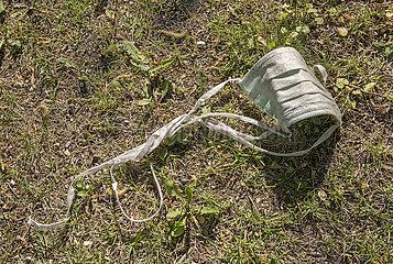 weggeworfener Mundschutz  April 2020