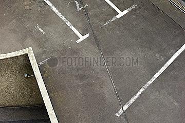 unbenutztes Parkdeck von oben