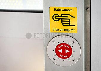Haltewunsch Knopf  Nordrhein-Westfalen  Deutschland