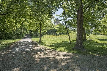 Englischer Garten  Monopteros  Muenchen  Mai 2020