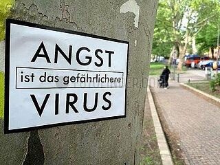 Aufkleber Angst ist das gefaehrlichere Virus
