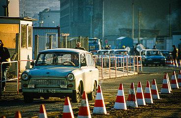 Neuer Grenz?bergang Potsdamer Platz