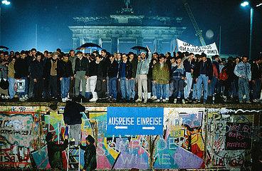 ?ffnung der Mauer am Brandenburger Tor