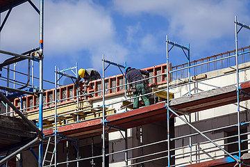 Neubau Baustelle Mehrfamilienhaeuser  Essen  Ruhrgebiet  Nordrhein-Westfalen  Deutschland