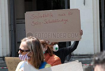 Freiberufler und Soloselbstständige demonstrieren für mehr Unterstützung