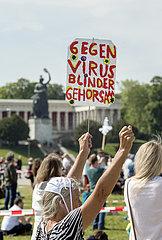 Demonstration gegen Corona-Massnahmen  Muenchen  16. Mai 2020