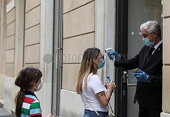 ITALIEN-ROM-COVID-19-SPERRE-ERLEICHTERUNG