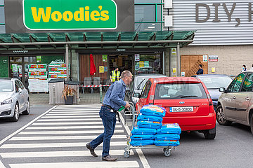 IRELAND-DUBLIN-COVID-19-RESTRICTIONS-ENTSPANNUNG IRELAND-DUBLIN-COVID-19-RESTRICTIONS-ERLEICHTERUNG