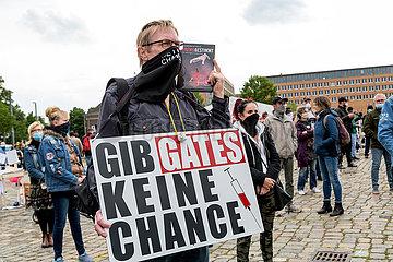 Deutschland  Bremen - Impfgegner bei Demonstration gegen Corona-Restriktionen
