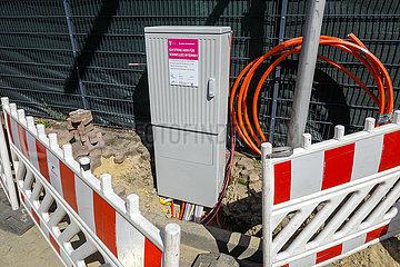 Telekom Verteilerkasten fuer schnelles Internet  Baustelle DSL Kabelanschluss fuer die Haushalte  Datteln  Ruhrgebiet  Nordrhein-Westfalen  Deutschland