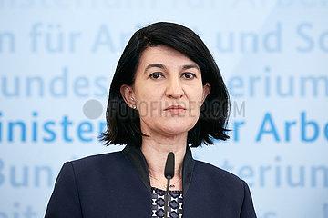 Berlin  Deutschland - Violeta Alexandru  rumaenische Ministerin fuer Arbeit und Sozialschutz.