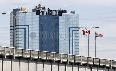 CANADA-ONTARIO-NIAGARA FALLS-COVID-19-U.S.-BORDER-RESTRICTIONS-EXTENSION