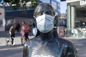 Christel von der Post mit Maske
