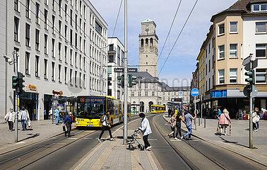 Stadtansicht mit Rathaus  Muelheim an der Ruhr  Ruhrgebiet  Nordrhein-Westfalen  Deutschland