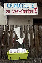 Berlinchen  Deutschland  Grundgesetz zu verschenken