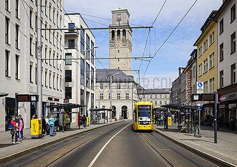 Stadtansicht mit Rathaus  Nordrhein-Westfalen  Muelheim an der Ruhr  Ruhrgebiet  Deutschland