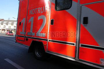 Berlin  Deutschland  Detailaufnahme: Rettungswagen der Berliner Feuerwehr