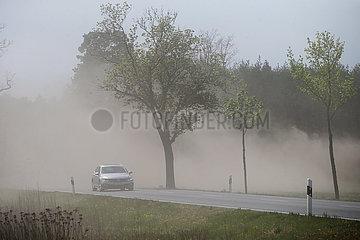 Kloster Zinna  Deutschland  Geschaeft bietet selbstgenaehte Mundmasken an