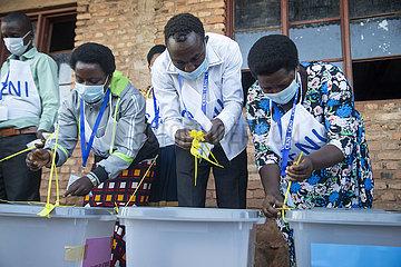 BURUNDI-ALLGEMEINE WAHLEN-VOTING BURUNDI-ALLGEMEINE WAHLEN-VOTING BURUNDI-ALLGEMEINE WAHLEN-VOTING