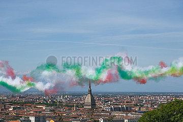 ITALIEN-TURIN-FLYOVER