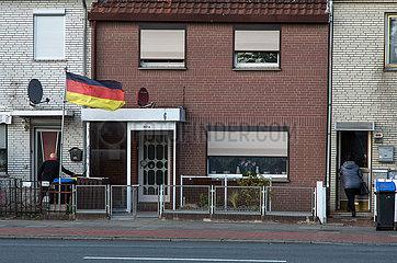 Deutschland  Bremen - Reihenhaeuser im Arbeiterbezirk Groepelingen beim Hafen