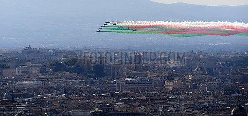 ITALIEN-ROM-Republik-Tag-TRICOLOR PFEILE