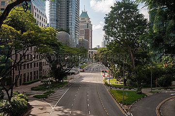 Singapur  Republik Singapur  Leere Strassen im Stadtzentrum waehrend Covid-19 Ausgangsbeschraenkung