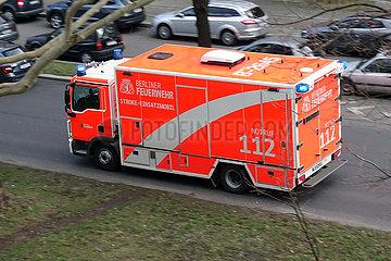Berlin  Deutschland  Stroke-Einsatzmobil der Berliner Feuerwehr