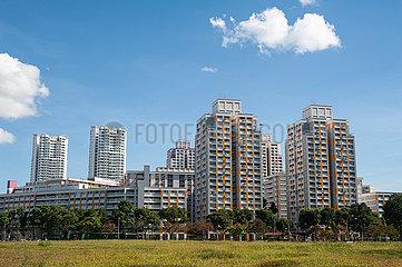 Singapur  Republik Singapur  Mehrgeschossige HDB Wohnblocks oeffentlicher Wohnungsbau