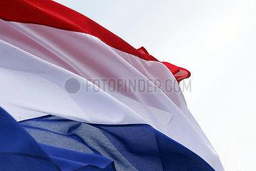Berlin  Deutschland  Nationalfahne der Niederlande