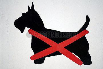 Berlin  Deutschland  Hinweisschild: Hunde verboten