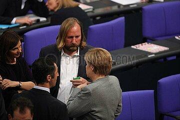 Merkel mit OEzdemir  Goering-Eckardt  Hofreiter