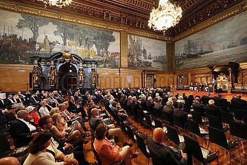 Hamburg  Senatsempfang anlaesslich des IDEE 150. Deutschen Derby im Festsaal des Hamburger Rathaus