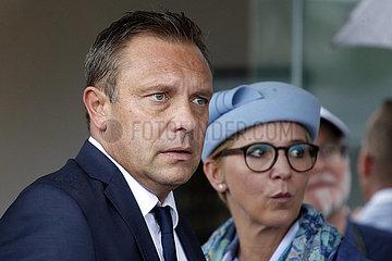 Hannover  Deutschland  Andre Breitenreiter  Fussballtrainer  mit Ehefrau Claudia