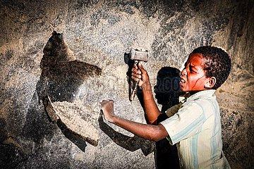 Kinderarbeit im Steinbruch