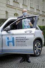 BM Altmaier bei PK zur Nationalen Wasserstoffstrategie