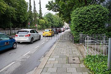 Polizeieinsatz in München: Auto fährt in Menschenmenge