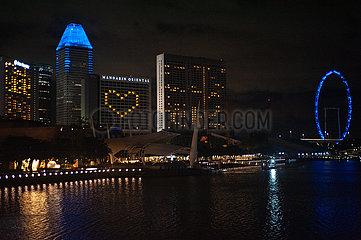 Singapur  Republik Singapur  Solidaritaetsbekundung in Herzform waehrend Ausgangsbeschraenkung inmitten Covid-19 Krise