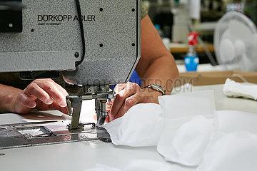 Eberswalde  Deutschland - Herstellung von Schutzmasken bei der Thorka GmbH.