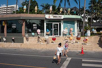 Phuket  Thailand  Eisdiele am Strand von Karon Beach