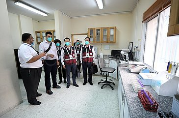 MIDEAST-RAMALLAH-COVID-19-CHINESE MEDICAL TEAM