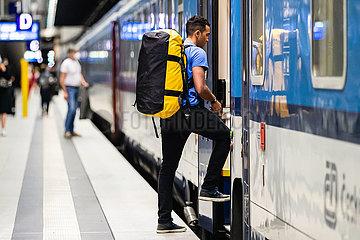 DEUTSCHLAND-BERLIN-COVID-19-Reisewarnungen-HöBE