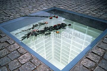 Denkmal Versunkene Bibliothek Berlin