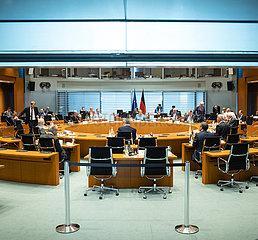Gespraech Merkel mit den Regierungschefs der Laender