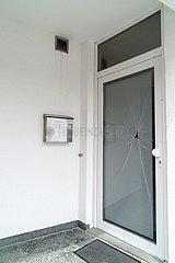 Unterkünfte von Tönnies-Mitarbeitern  Eingangstür