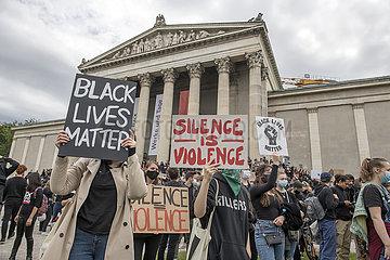 Silent Protest  Demo gegen Rassismus  Muenchen  Juni 2020
