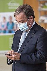 NRW-Ministerpräsident Armin Laschet gibt eine Pressekonferenz zur Lage
