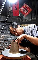 (MASTEROFCRAFTS) CHINA-HENAN-HANDICRAFT-Porzellan (CN)