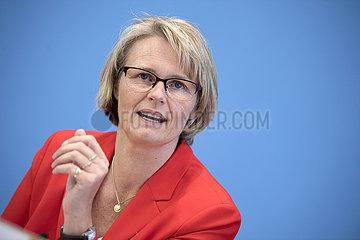 Anja Karliczek  Bildungsbericht 2020