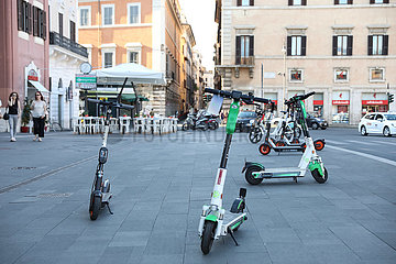 ITALIEN-ROM-ELECTRIC SCOOTER
